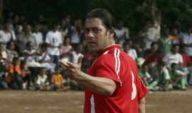 Bollywood actor Salman Khan gestures during a celebrity soccer match to celebrate India's Independence Day in Mumbai August 15, 2009. REUTERS/Manav Manglani (INDIA ENTERTAINMENT SPORT SOCCER) Picture Supplied by Action Images *** Local Caption *** 2009-08-15T205847Z_01_DEL50_RTRIDSP_3_INDIA.jpg